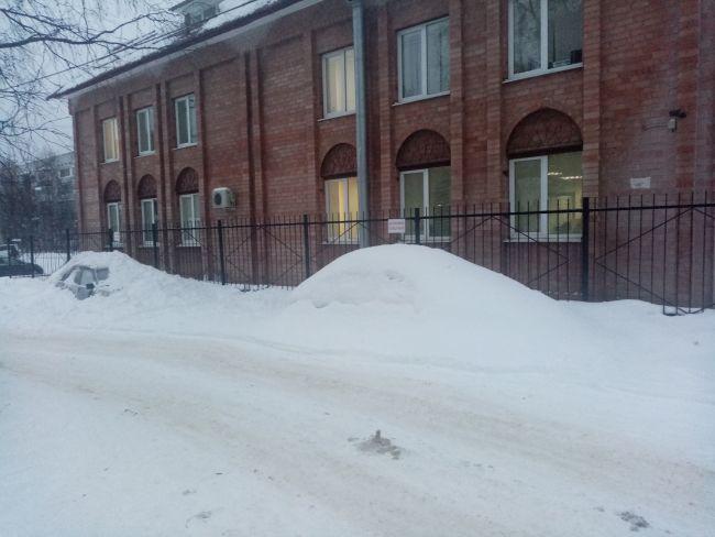 Ухта сход снега